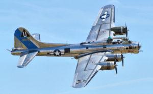"""Bombardiere B-17 """"Fortezza volante"""""""