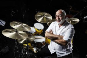 Il batterista jazz Peter Erskine.