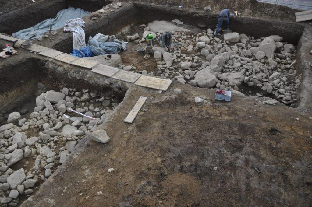 Claro - Sito megalitico - Veduta generale dello scavo