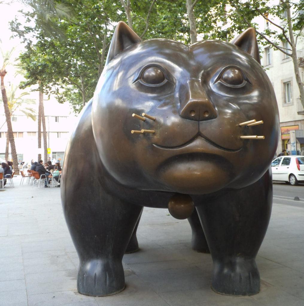 """""""Il gatto"""" di Fernando Botero nel quartiere El Raval di Barcellona"""