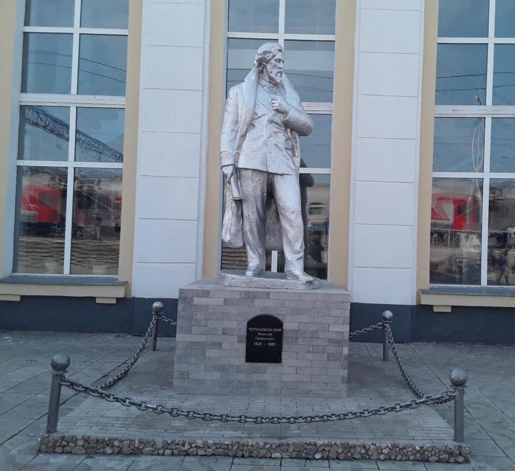 Transiberiana - Statua dello scrittore Chernyshevsk