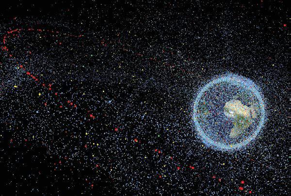 ESA - Mappa degli oggetti di dimensioni superiori ad 1 cm in orbita attorno alla Terra