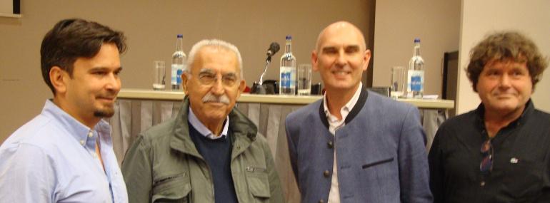 Giulietto Chiesa con il team di Fratria, capitanato da Aldo Alfonso Ferrini