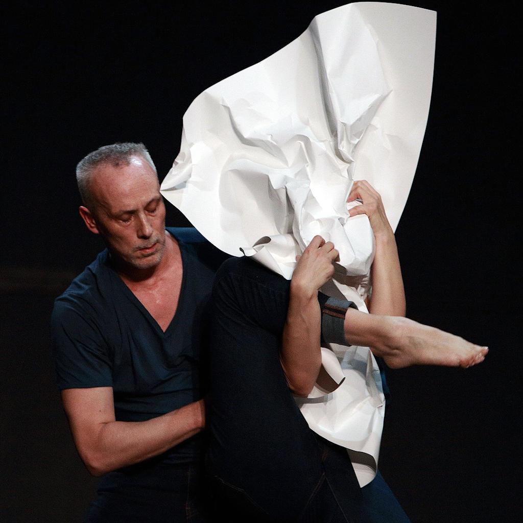 Spettacolo Morphoses con i danzatori Corinne Rochet e Nicholas Petit - Teatro San Materno