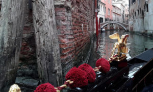 Venezia - In gondola per i canali