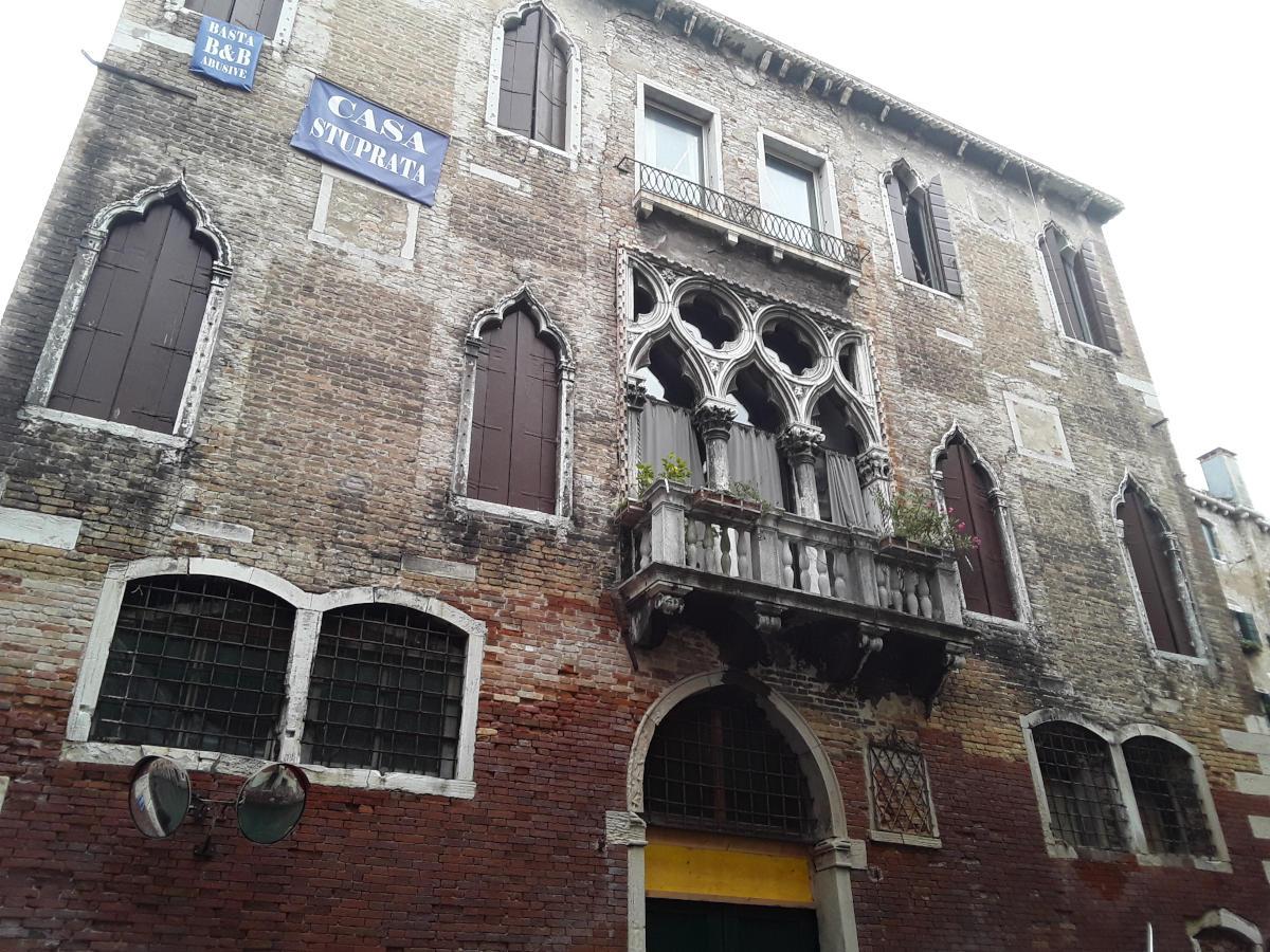 Venezia - Protesta contro B & B abusive