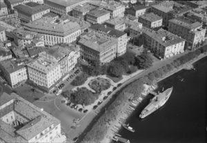 Vincenzo Vicari - Veduta aerea della Piazza Alessandro Manzoni a Lugano, 1950