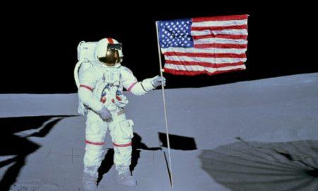 L'astronauta Alan Shepard di Apollo 14 sulla Luna